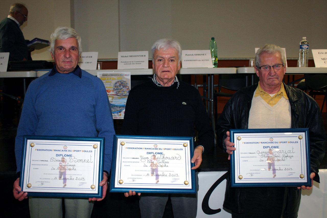 Quatre diplômes d'honneur de la FFSB