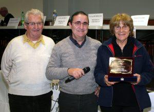 Arlette Durbano a reçu sa médaille des mains de Gaby Hilaire, président du secteur de Privas en présence de Georges Jarjat président de Charmes-Saint Georges