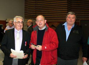 Denis Vanduynslager s'est vu offrir sa médaille par Marc Valayer, président du CBD en présence d'Alain Delichiere, président du secteur d'Aubenas