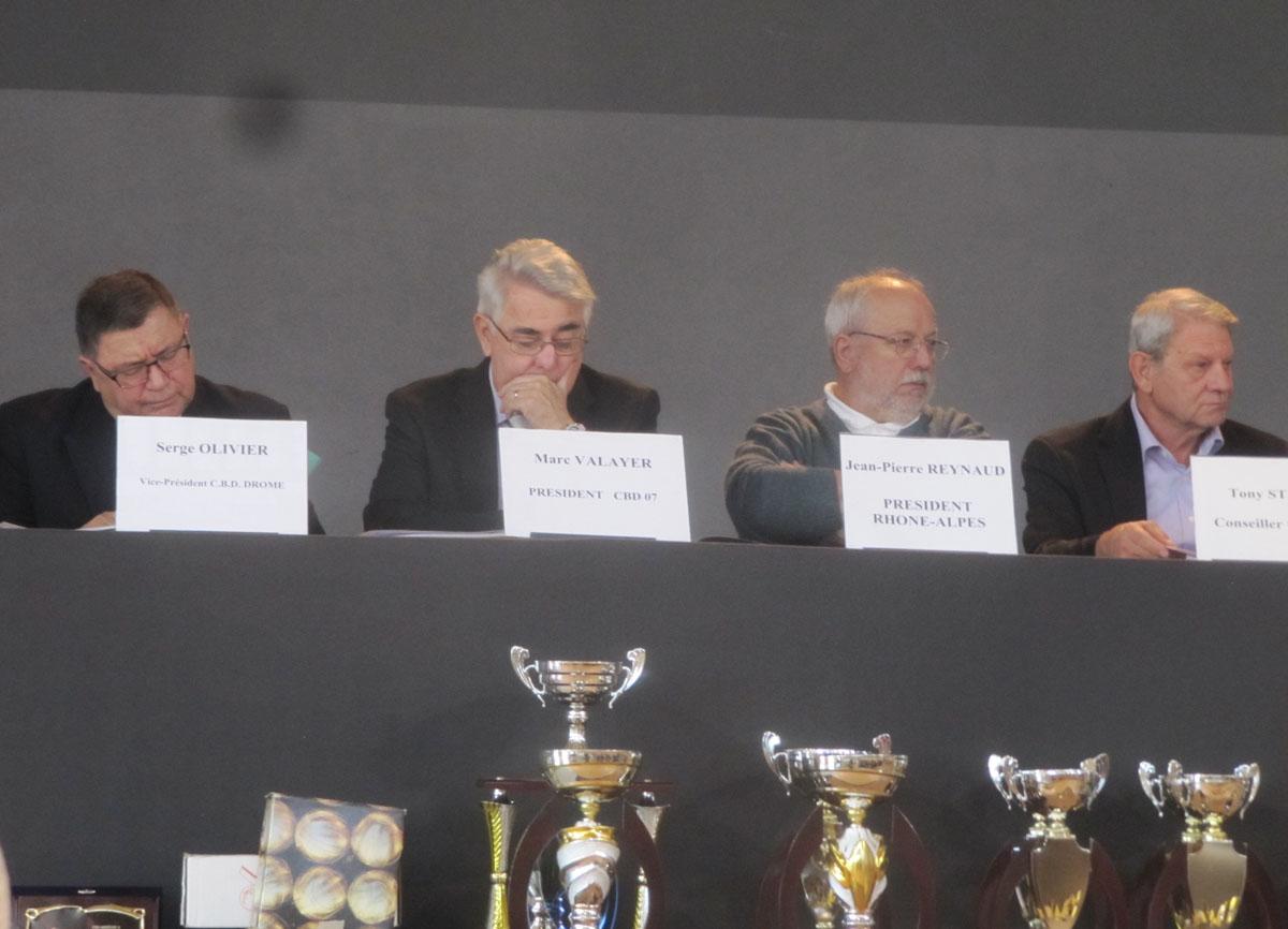 Le congrès départemental rend hommage aux victimes des attentats