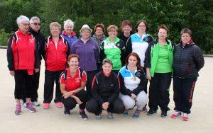L'ensemble des participantes avec les coprésidentes de la commission féminine