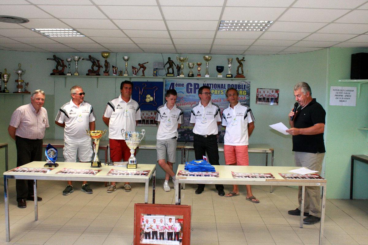 Villeneuve de Berg fête ses champions de Bellecour