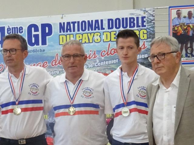 Réception pour les Champions de France en double à Villeneuve de Berg