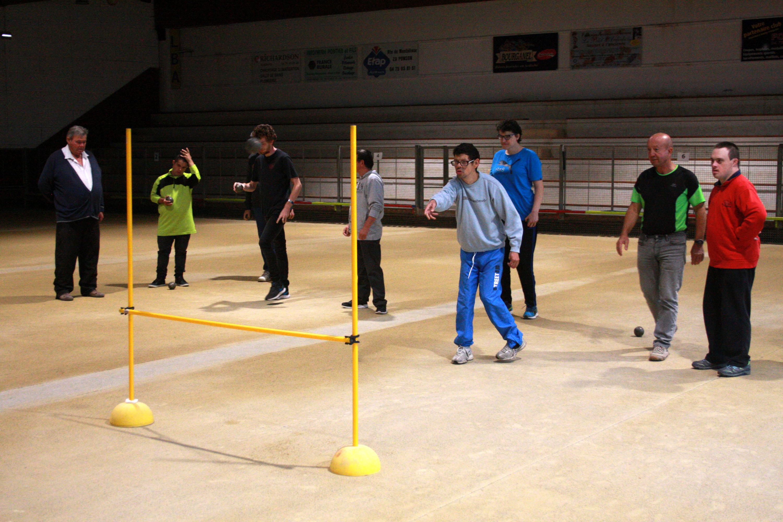 Promotion des boules en sport adapté avec les clubs sportifs albenassiens