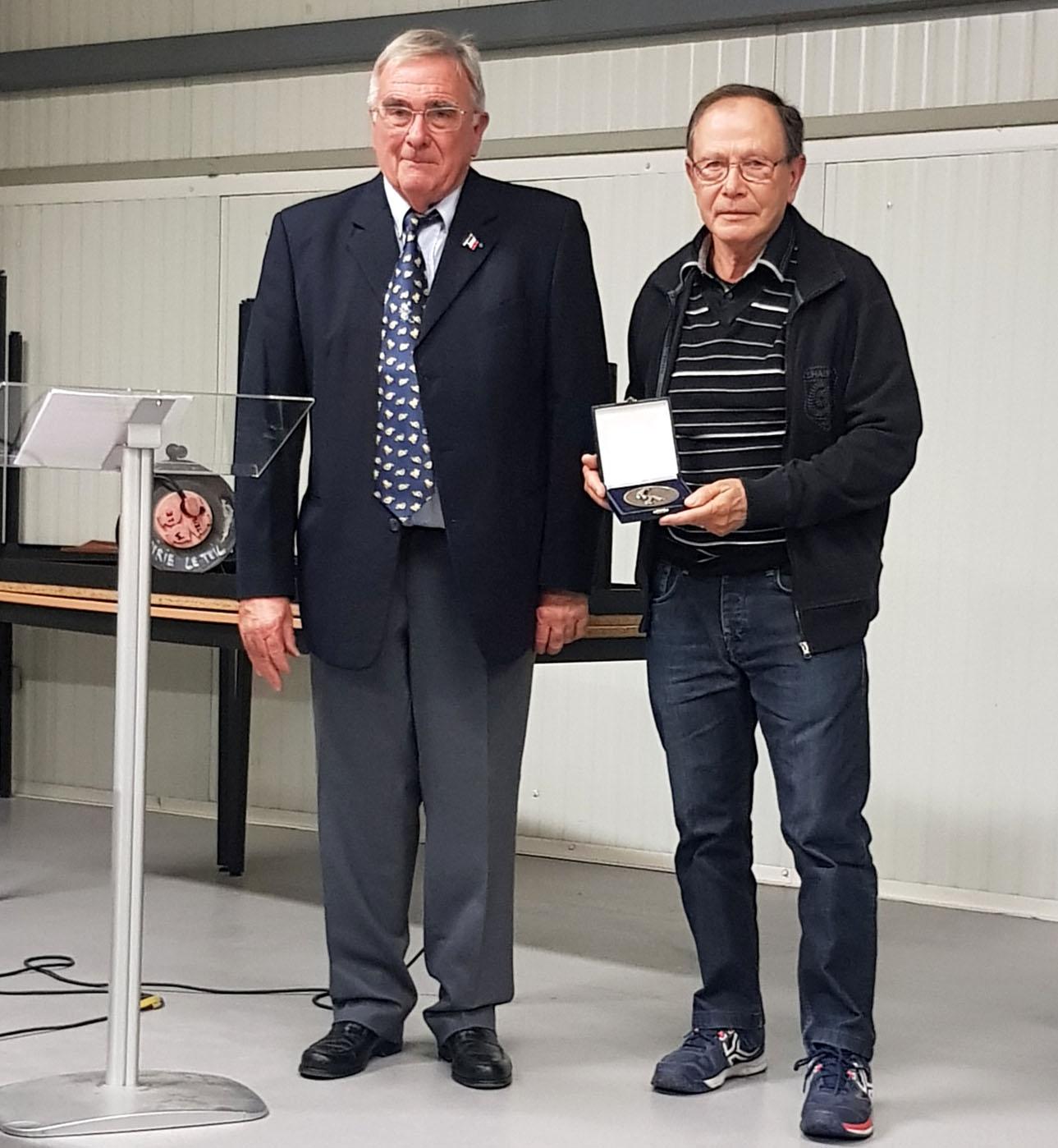 Médaille de l'OMS pour René Quartier